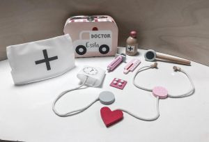 JaBaDaBaDo W7132 Doktor Arztkoffer Krankenwagen Set inkl. Koffer rosa pink | by Schmatzepuffer®