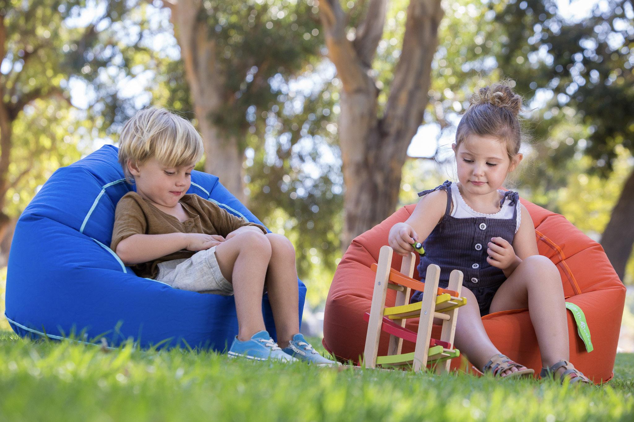schmatzepuffer kreative ideen everearth sitzsack sitzkissen sessel indoor outdoor. Black Bedroom Furniture Sets. Home Design Ideas